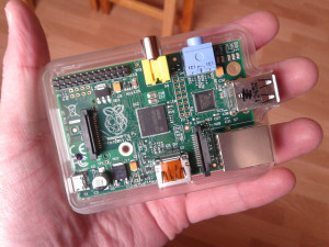 Llun o Raspberry Pi gan Jan Grosser